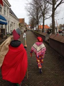 Sint en Piet 2015. Met de aluminium folie staf